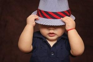 Infant_under hat
